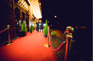 Image of red carpet.